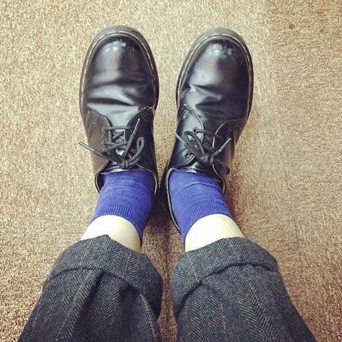 Elogio della calza corta