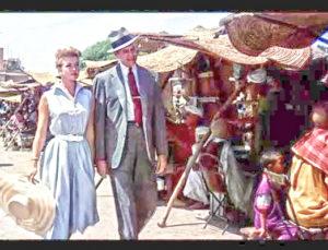 """Doris Day e James Stewart in """"L'uomo che sapeva troppo"""" di Alfred Hitchcock (1956)"""
