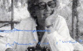 """Bibi Tomasi, immagine tratta dalla quarta di copertina de """"La patita dei gatti blu"""""""